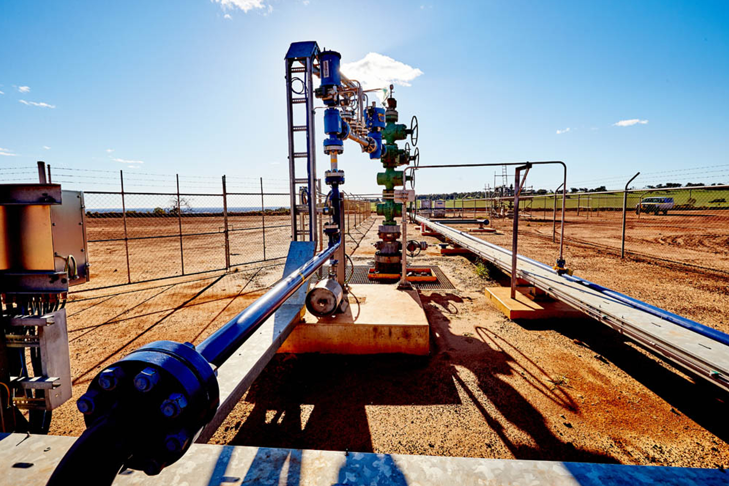 how to get into oil and gas business
