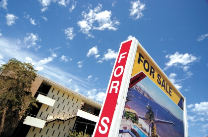 Perth property listings tumble 14pc