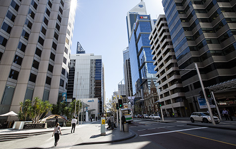 Commercial rents fall, vacancies up