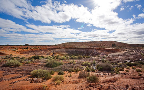 Phoenix awards mining contracts for Kintore West