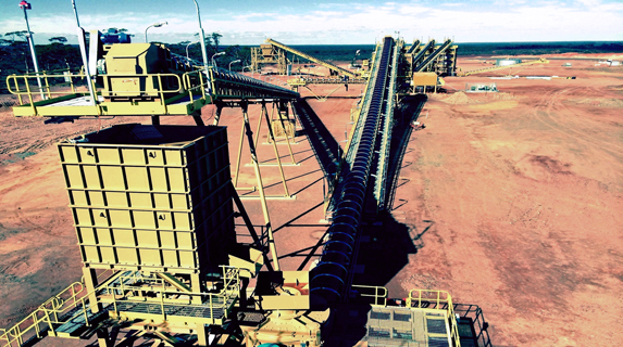 Mid West miner signs rail deals