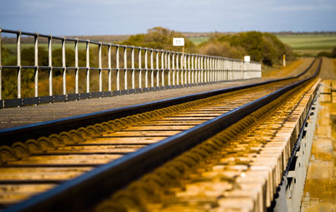 Report calls for rail reopening