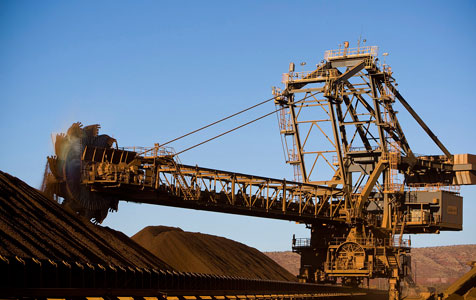 Big boys pile pressure on smaller iron ore players