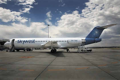 Skywest posts loss ahead of takeover vote