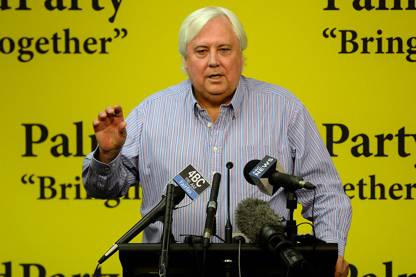 Millionaire businessman Clive Palmer hit with criminal charges by ASIC