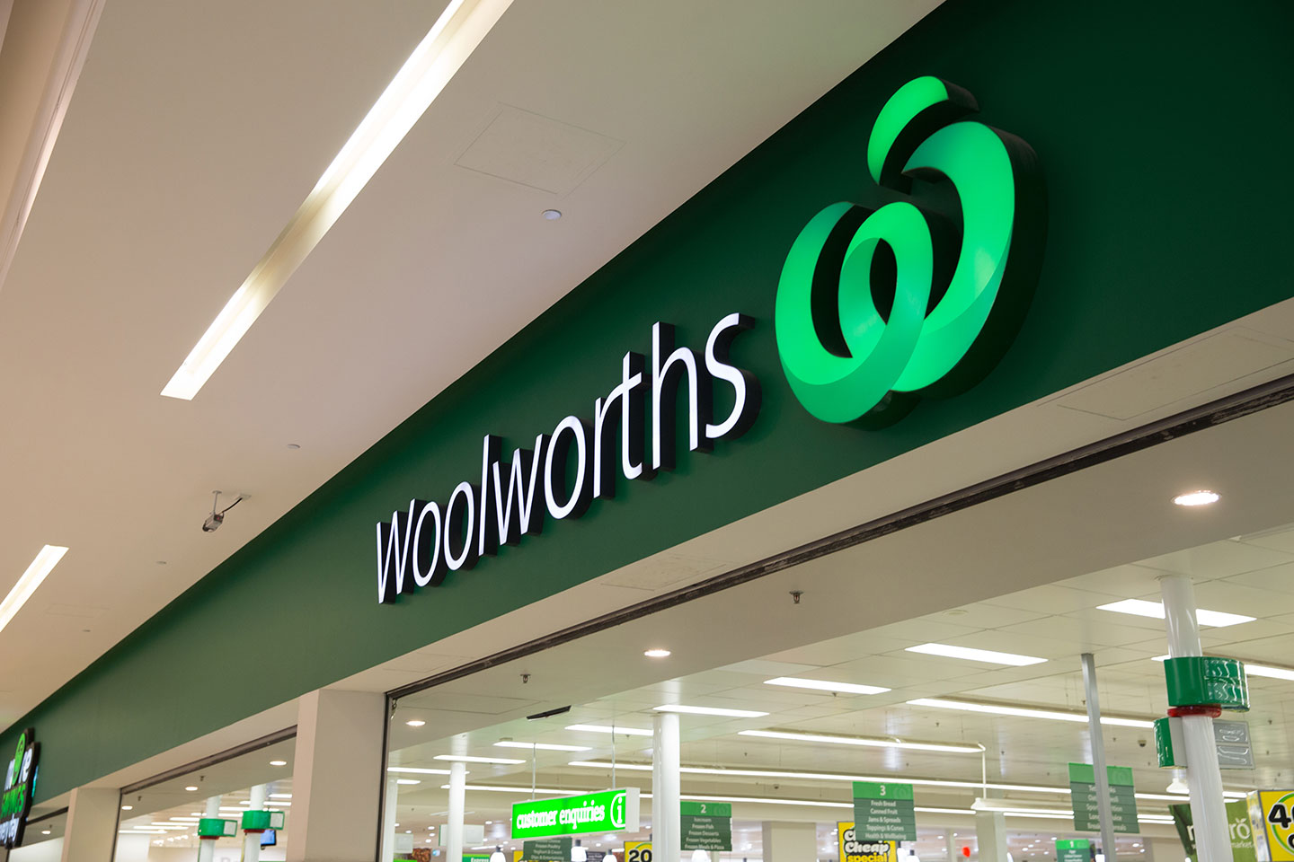 Australia's Woolworths 3rd-qtr sales up 4.3 pct