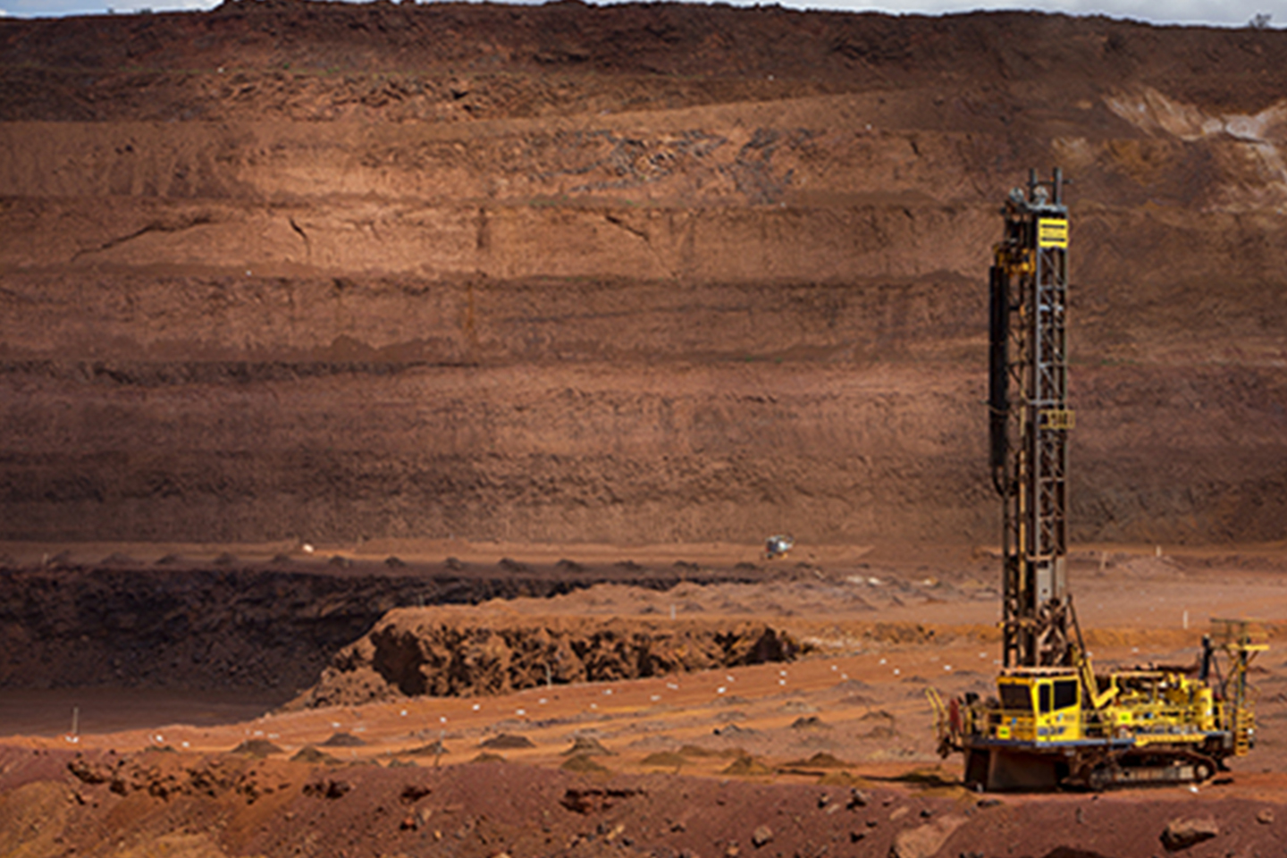 Rio Tinto (LON:RIO) PT Set at GBX 4200 by JPMorgan Chase
