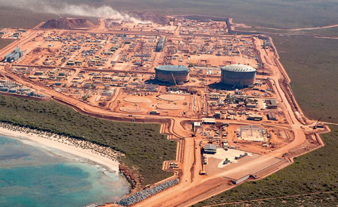 $11bn in oil exports trumps LNG, for now