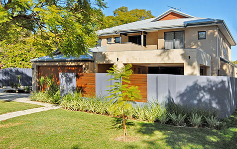 Perth residential builder collapses