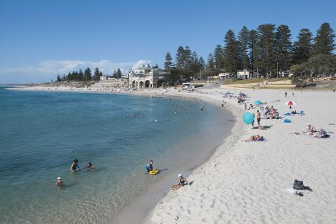 Barnett wants cut to tourism penalty rates