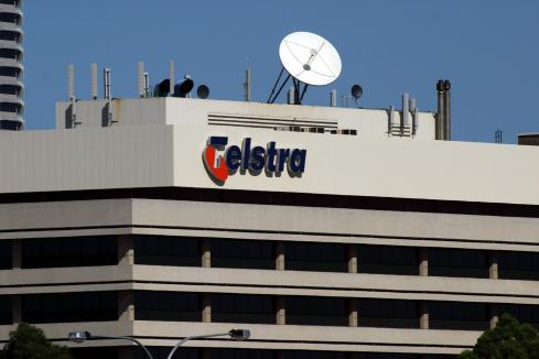 Telstra defends network, warns against roaming changes