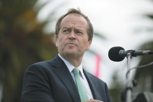 Shorten commits $700m to Perth rail line