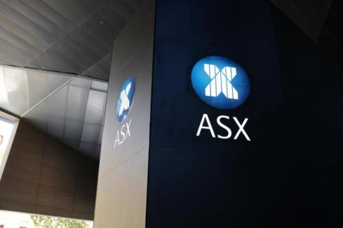 Aust stocks higher amid virus volatility