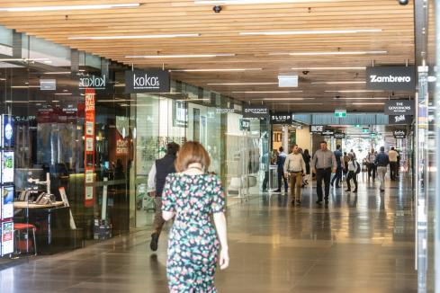 Retailers cut trading hours