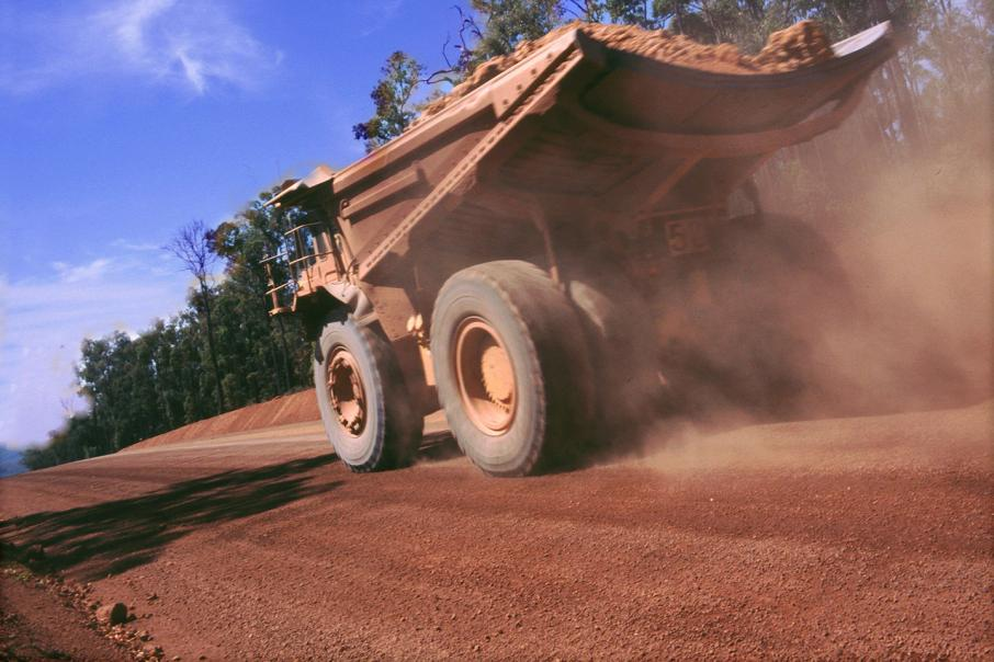 Alcoa in bauxite export deal