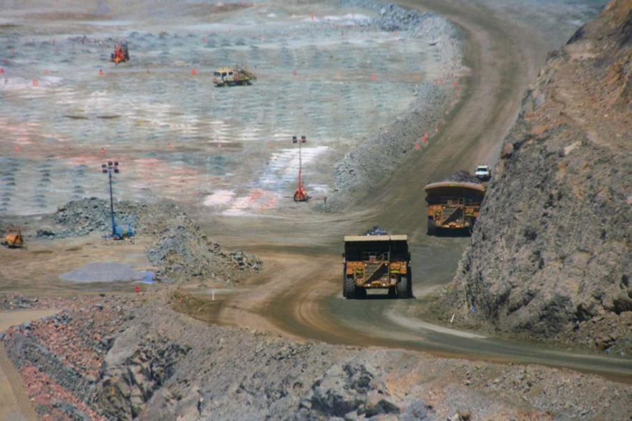 Barrick to sell Super Pit stake