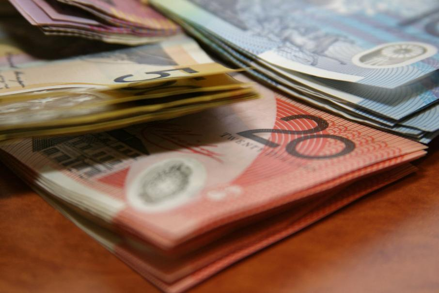 SMEs pay invoices faster than big businesses