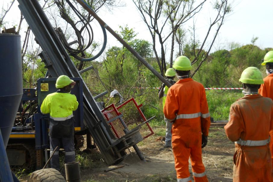 Sipa books drill rig for first drill program in the Paterson