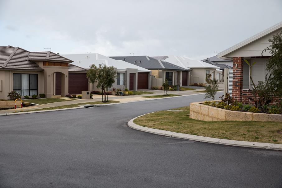 Perth house prices fall 1%