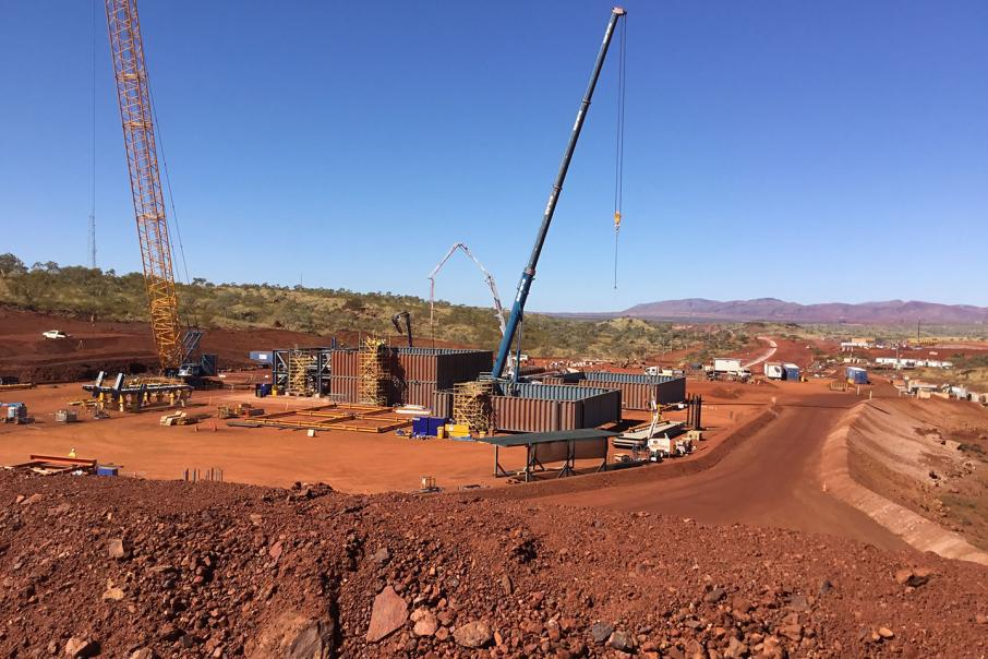 Contractors boosted by mine projects