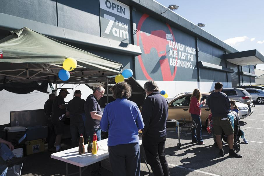 Bunnings bets each way in Australia and the UK