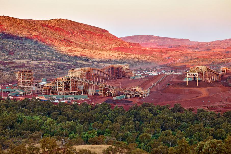 Fortescue cuts iron ore price expectations