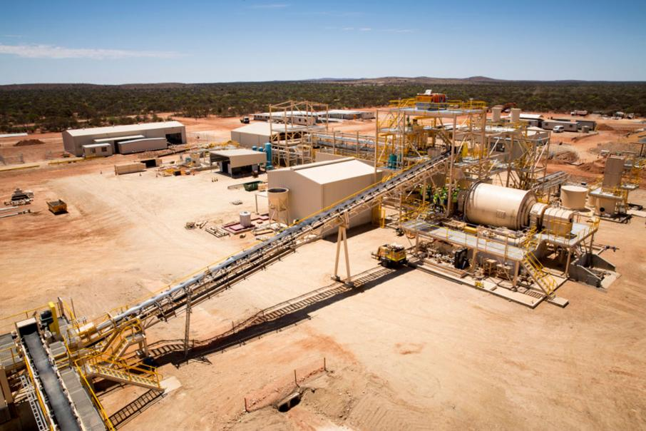Fire stops work at WA gold mine