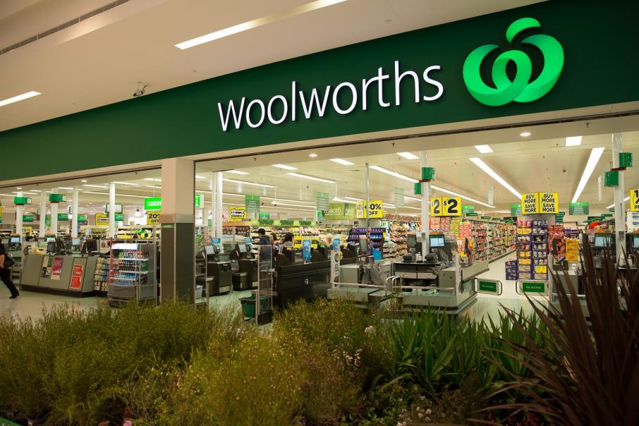 Woolies dips on 'below expectation' profit