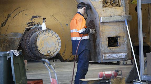 Contractors in automated mine