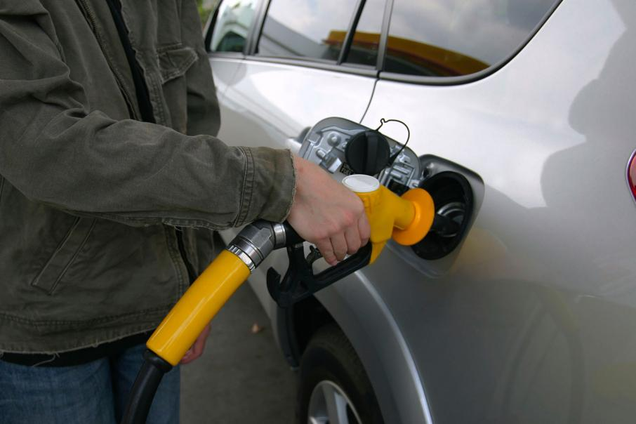 Motorists still paying too much at bowser: ACCC